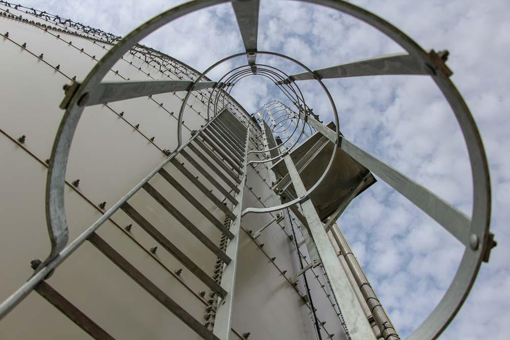 tank ladders Web